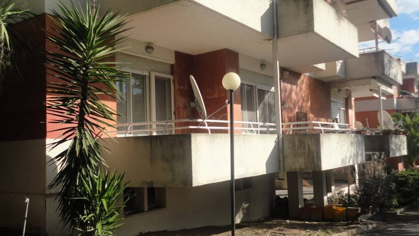 Appartamento in buone condizioni arredato in vendita Rif. 7870089