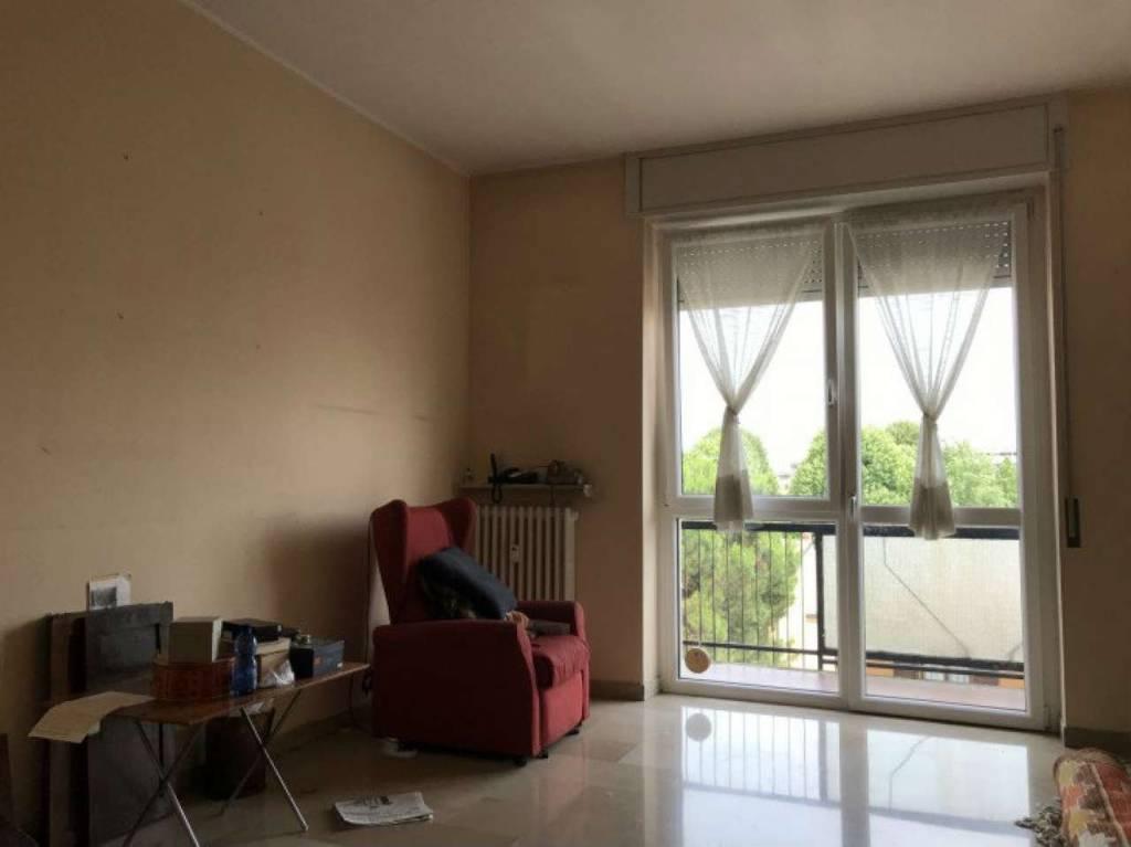Appartamento in vendita a Saronno, 3 locali, prezzo € 167.000 | CambioCasa.it