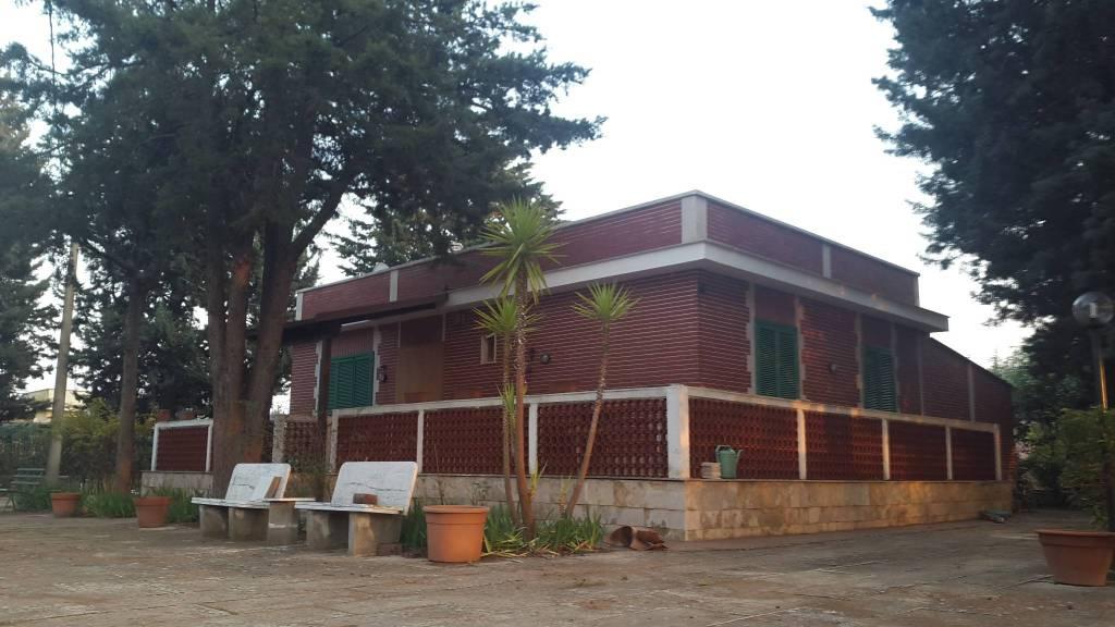 Villa in buone condizioni arredato in vendita Rif. 8519201