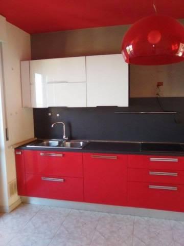 Appartamento in buone condizioni in vendita Rif. 4231236