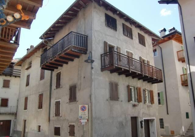 Casa Indipendente in buone condizioni parzialmente arredato in vendita Rif. 4207624