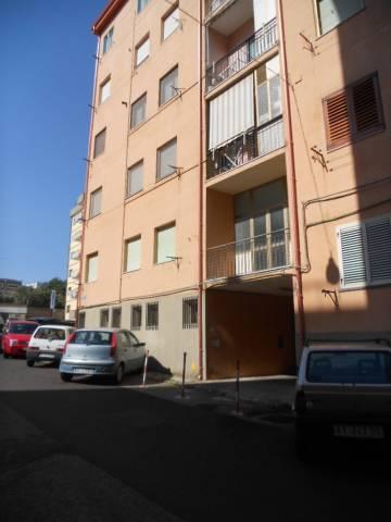 Appartamento in buone condizioni parzialmente arredato in affitto Rif. 4415191