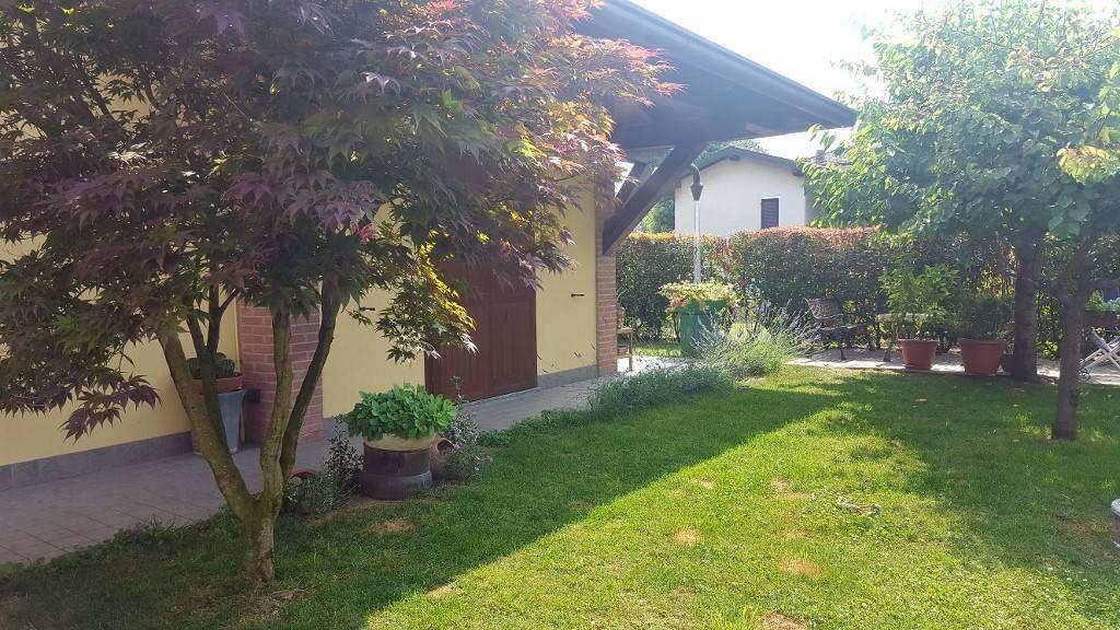 Villa in vendita a Bregnano, 4 locali, prezzo € 315.000 | CambioCasa.it
