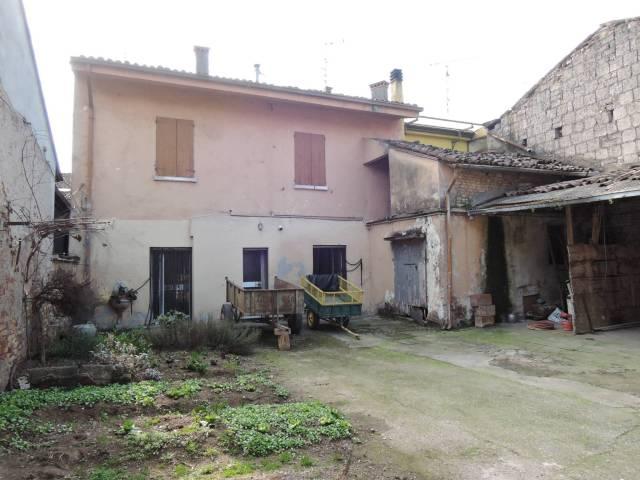 Rustico / Casale in vendita a Remedello, 6 locali, prezzo € 99.000 | CambioCasa.it