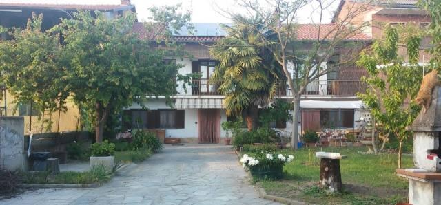 Rustico / Casale in buone condizioni in vendita Rif. 4413747