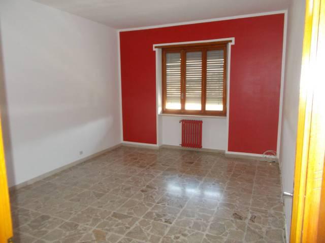 Appartamento in vendita a Lombardore, 3 locali, prezzo € 82.000 | CambioCasa.it