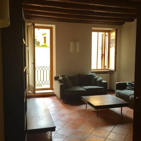 Appartamento in affitto a Verona, 3 locali, zona Zona: 2 . Veronetta, prezzo € 750 | Cambio Casa.it