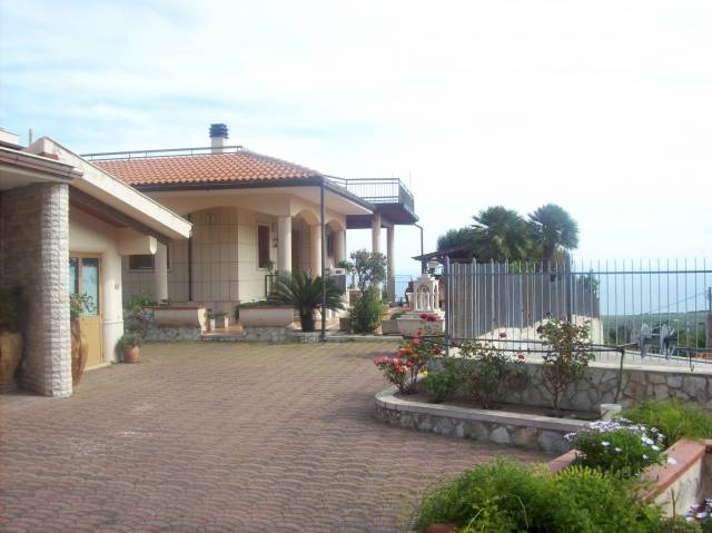 Villa-Villetta Vendita Monte Sant'Angelo
