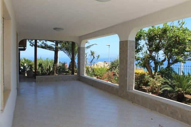 Villa in vendita a Alcamo, 6 locali, prezzo € 280.000 | Cambio Casa.it