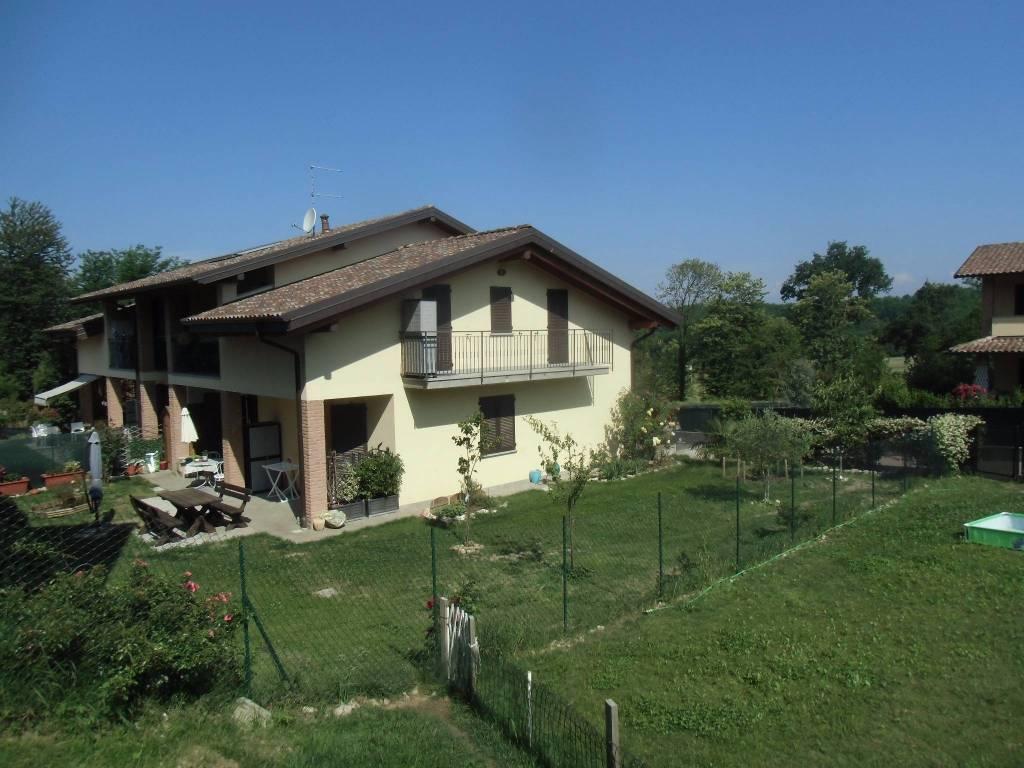 Appartamento in ottime condizioni in affitto Rif. 7733513