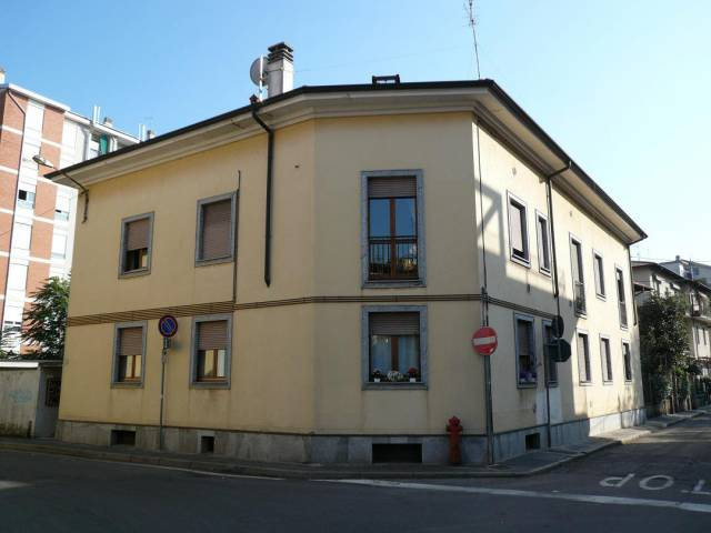 Appartamento in affitto a Saronno, 2 locali, prezzo € 520 | CambioCasa.it