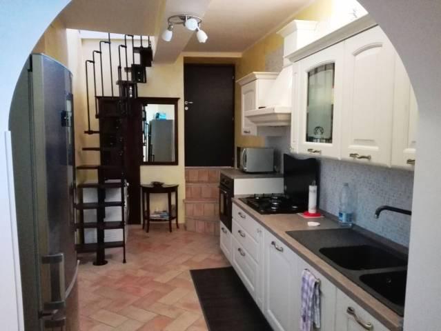 Appartamento in ottime condizioni in vendita Rif. 4579131