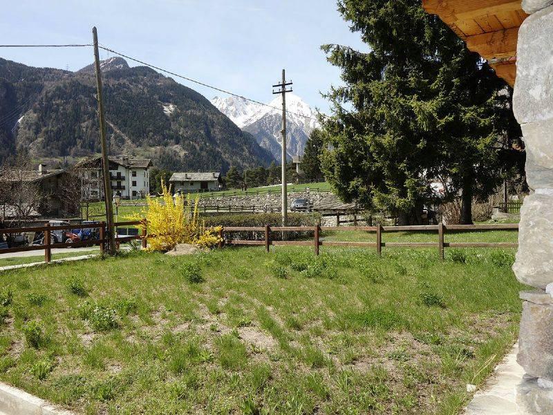 Morgex La Ruine trilocale bi-livello, terrazza/giardino