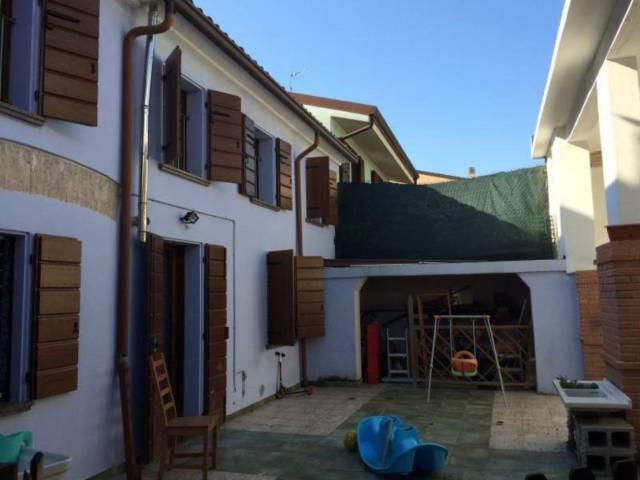 Soluzione Indipendente in vendita a Goito, 6 locali, prezzo € 160.000   Cambio Casa.it