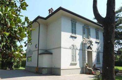 Villa in vendita a Bagnatica, 6 locali, prezzo € 830.475   CambioCasa.it