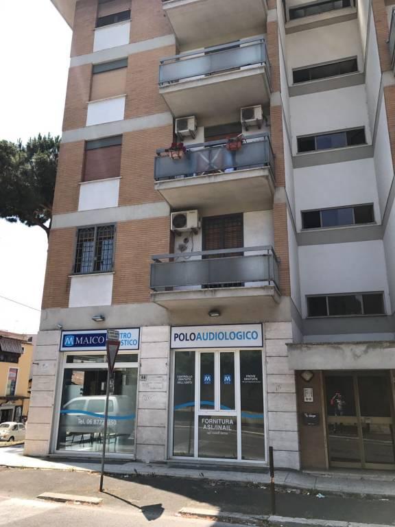 Appartamento in buone condizioni in vendita Rif. 4953867
