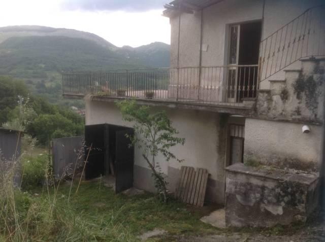 Rustico / Casale da ristrutturare in vendita Rif. 4272649