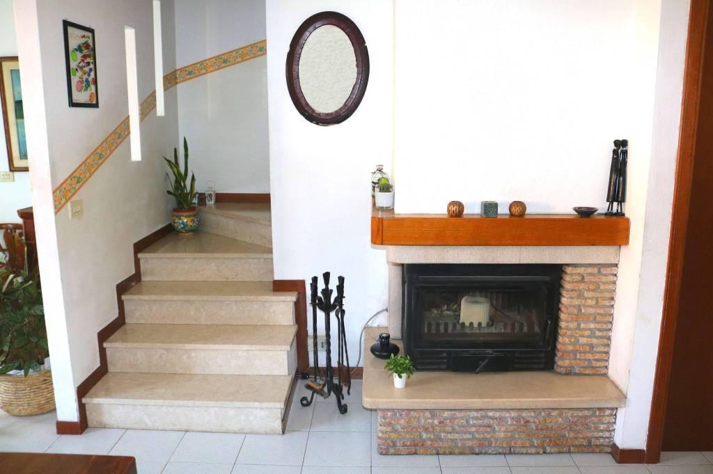 Villa a Schiera in vendita a Leno, 6 locali, prezzo € 145.000 | CambioCasa.it