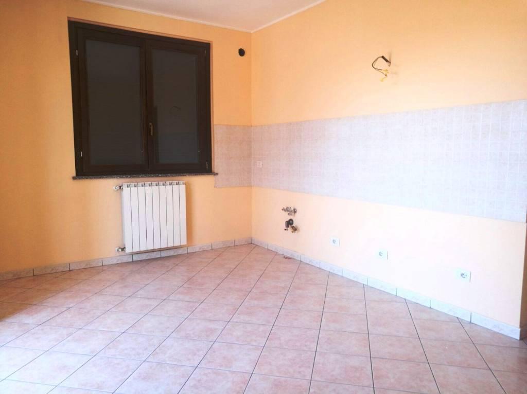 Appartamento in affitto a Cameri, 2 locali, prezzo € 400 | CambioCasa.it