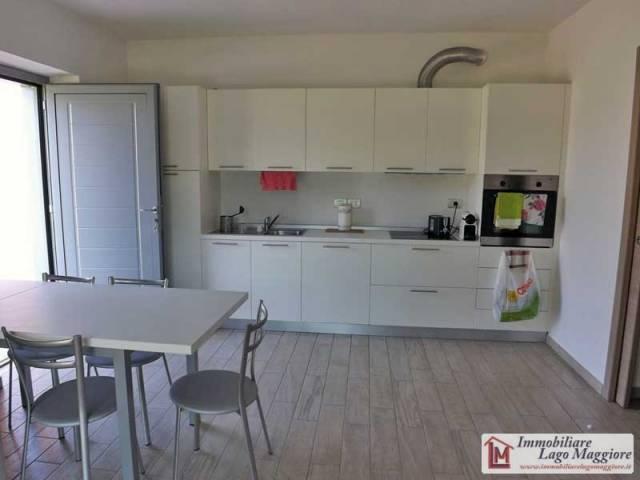 Appartamento in affitto a Angera, 3 locali, prezzo € 650 | Cambio Casa.it