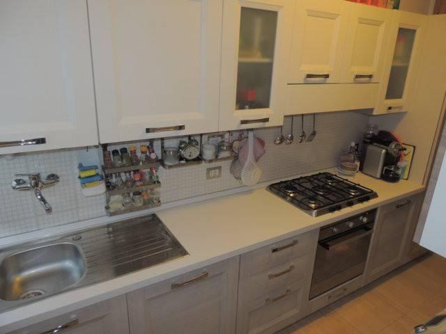 Appartamento in vendita a Montelupone, 3 locali, prezzo € 125.000   CambioCasa.it