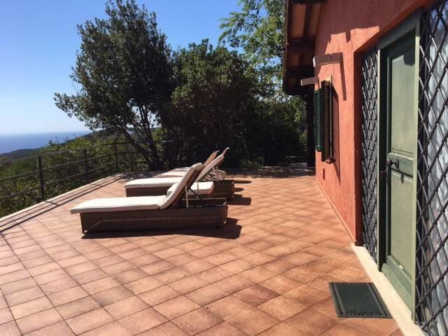 Villa in ottime condizioni arredato in affitto Rif. 5015397