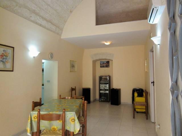 Soluzione Indipendente in vendita a Triggiano, 3 locali, prezzo € 80.000 | Cambio Casa.it