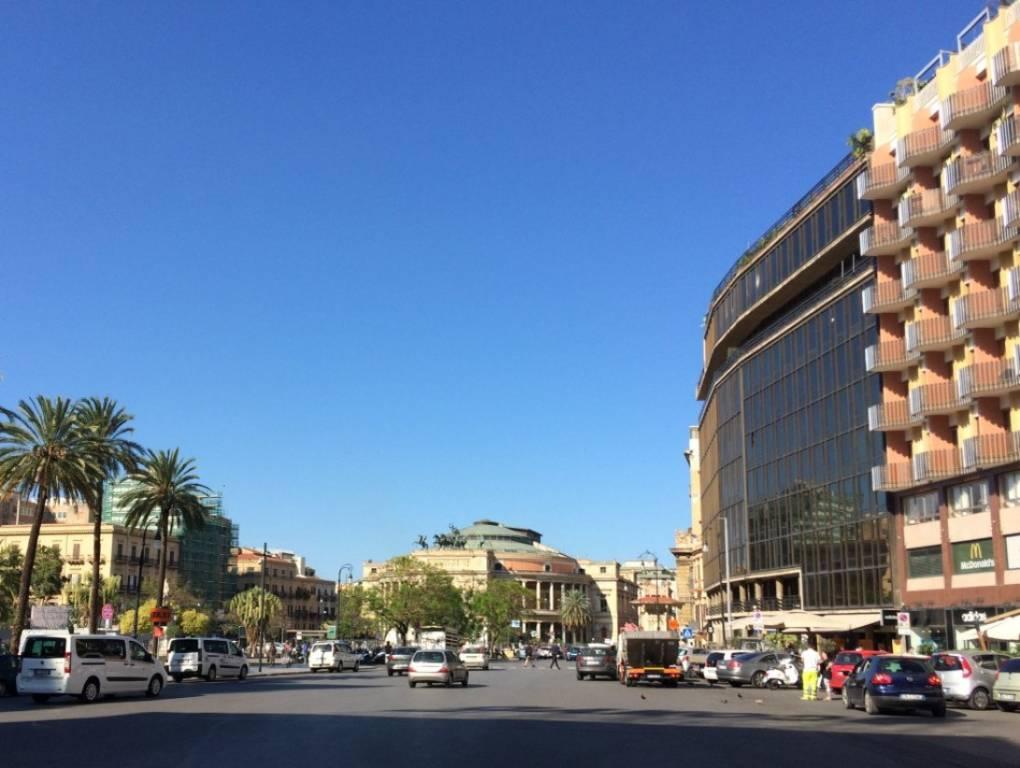 Appartamento in Affitto a Palermo Centro: 5 locali, 190 mq