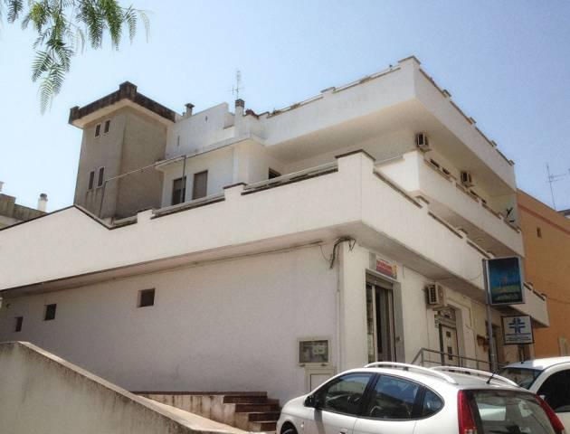 Appartamento in buone condizioni in vendita Rif. 4223423