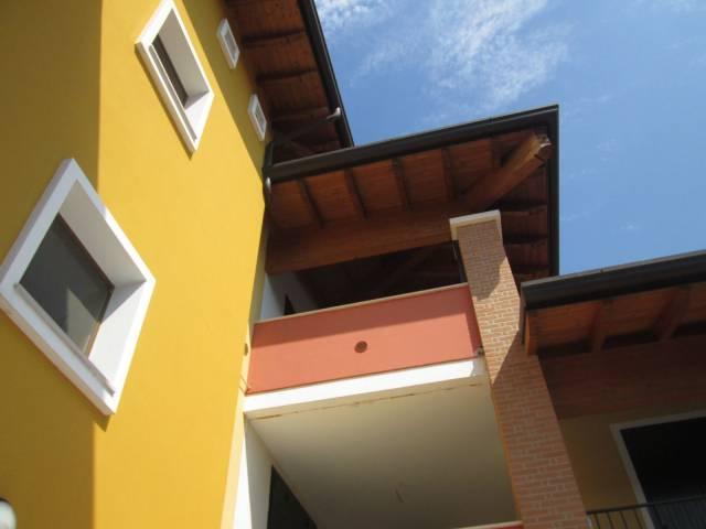 Appartamento in buone condizioni in vendita Rif. 6473342