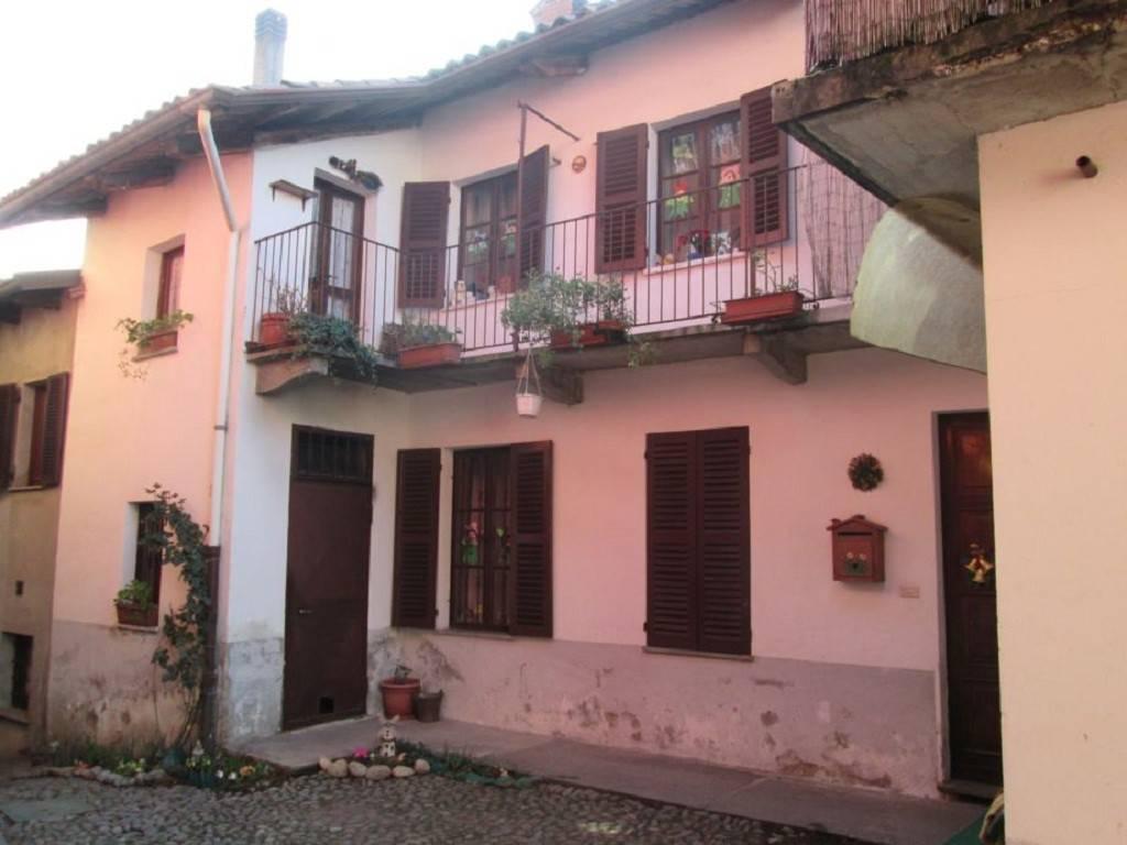 Villa a Schiera in vendita a Zumaglia, 4 locali, prezzo € 30.000 | CambioCasa.it