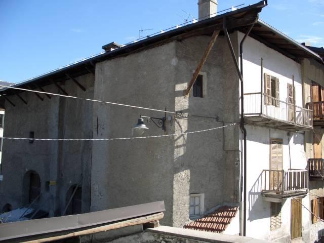 Soluzione Indipendente in vendita a Cesana Torinese, 9999 locali, prezzo € 410.000 | Cambio Casa.it