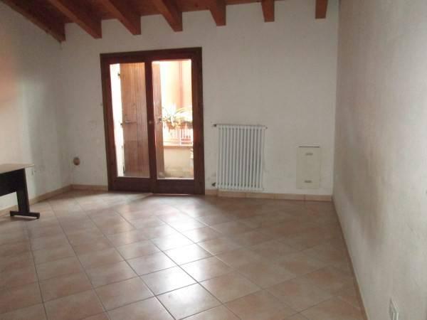 Appartamento in affitto a Goito, 4 locali, prezzo € 420 | Cambio Casa.it