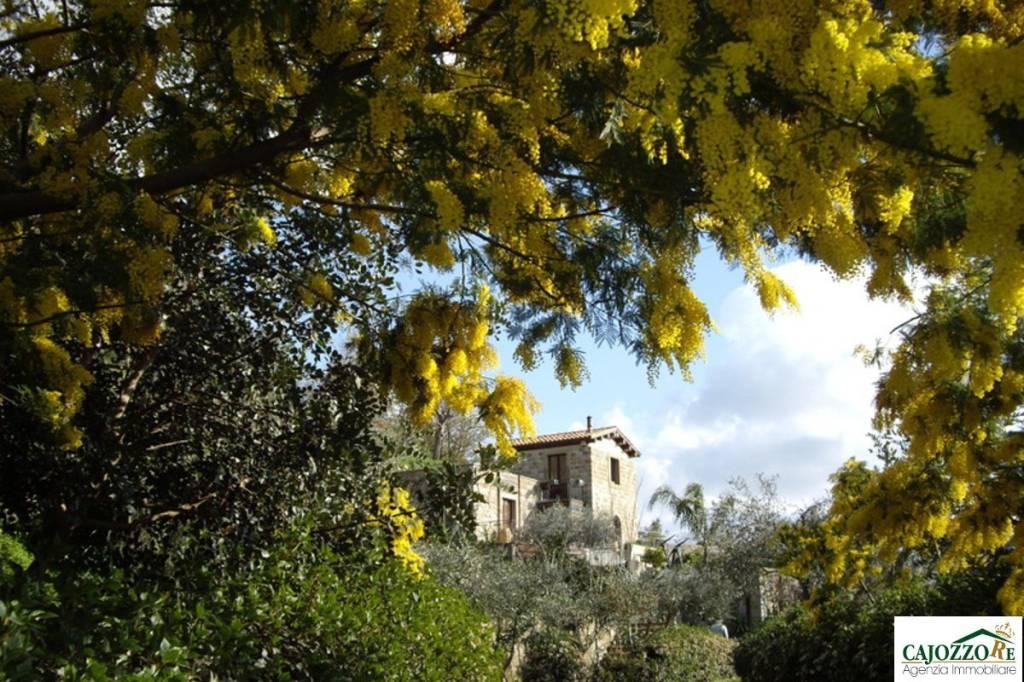 Villa in vendita a Castell'Umberto (ME)