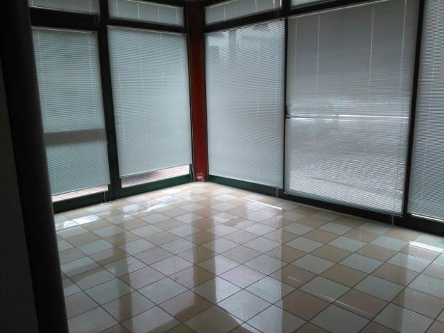 Negozio / Locale in affitto a Padova, 1 locali, zona Zona: 1 . Centro, prezzo € 2.200 | Cambio Casa.it