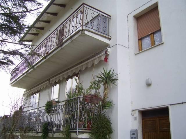 Appartamento in buone condizioni in vendita Rif. 4229827