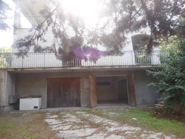 Appartamento in buone condizioni arredato in affitto Rif. 4230703
