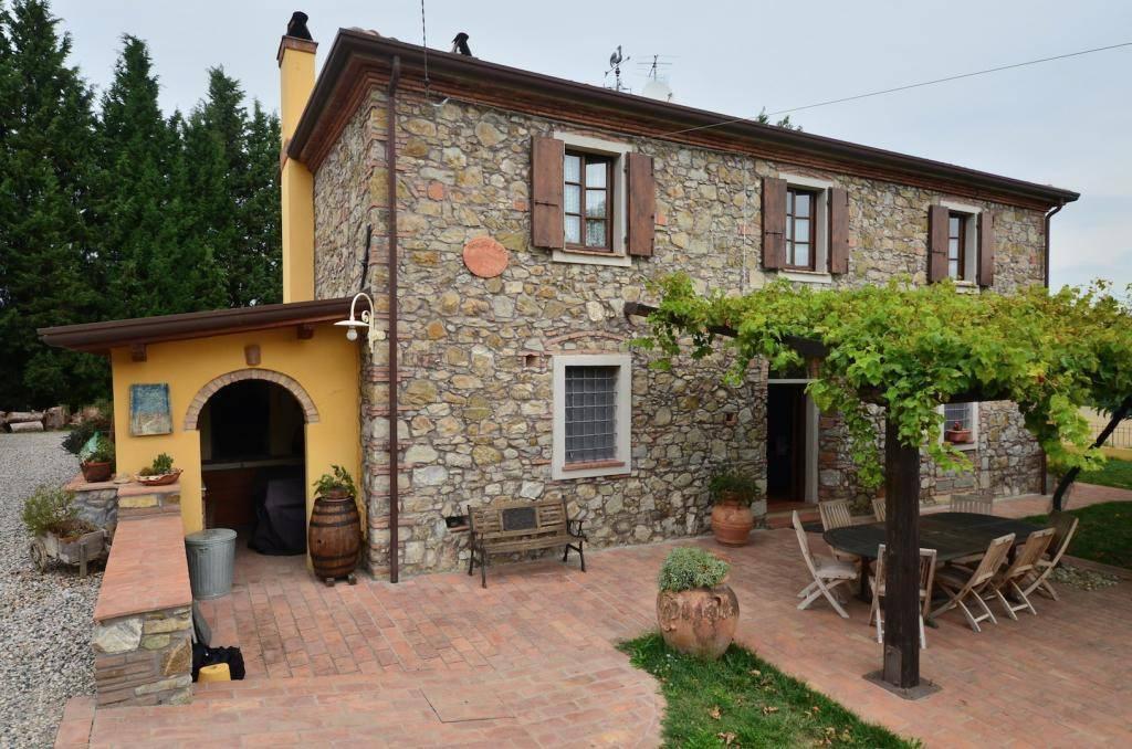 Rustico in Vendita a Rosignano Marittimo Semicentro: 5 locali, 180 mq