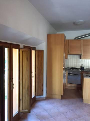 Appartamento in ottime condizioni parzialmente arredato in vendita Rif. 5049713