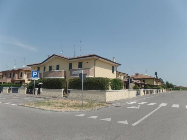 Villa a Schiera in vendita a Argenta, 4 locali, prezzo € 155.000   Cambio Casa.it