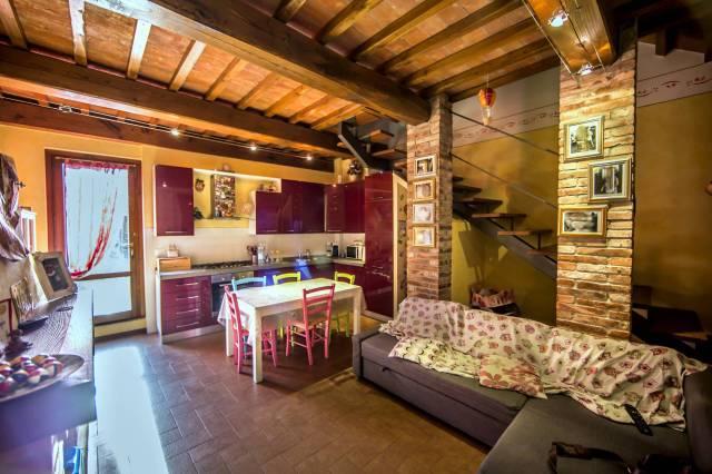 Soluzione Indipendente in vendita a Altopascio, 9999 locali, prezzo € 109.000 | CambioCasa.it