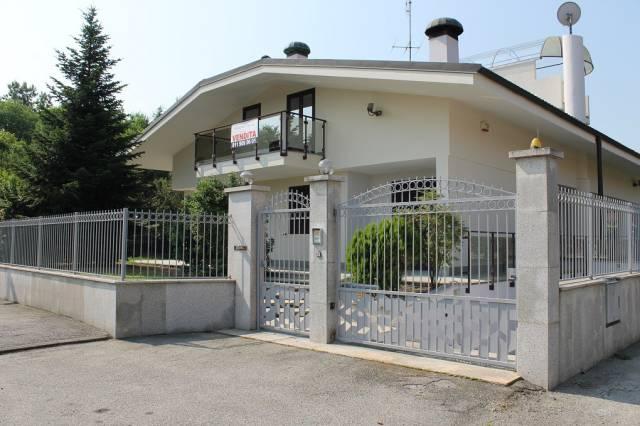 Villa in vendita a Orbassano, 6 locali, prezzo € 599.000 | Cambio Casa.it