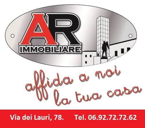 Locale commericiale Aprilia centro