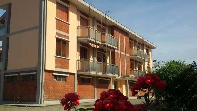 Appartamento in buone condizioni in vendita Rif. 4198366
