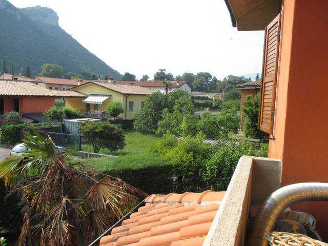 Villa a Schiera in vendita a Affi, 6 locali, prezzo € 345.000 | Cambio Casa.it