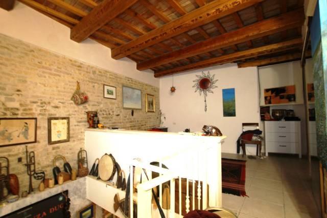 Casa indipendente trilocale in vendita a Fermo (FM)