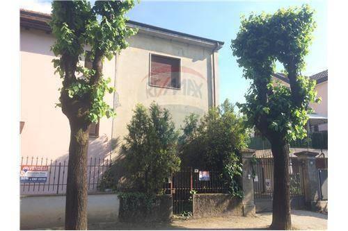 Appartamento bilocale in vendita a Barlassina (MB)