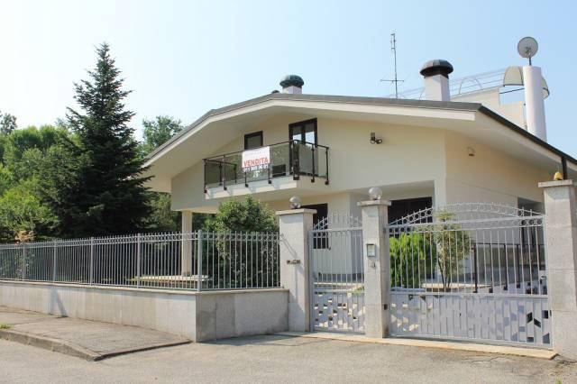 Villa in vendita a Orbassano, 6 locali, prezzo € 399.000 | Cambio Casa.it