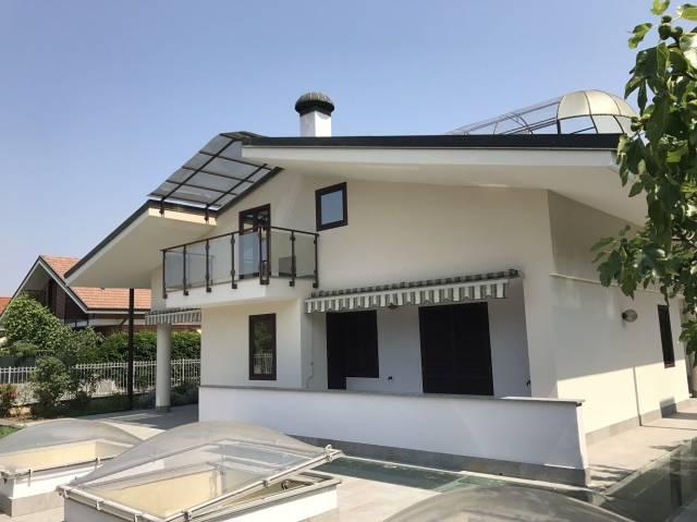 Villa in vendita a Orbassano, 6 locali, prezzo € 299.000 | Cambio Casa.it