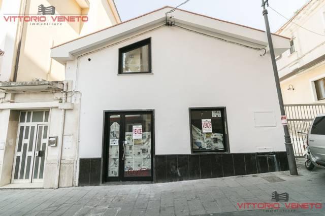 Negozio / Locale in vendita a Agropoli, 2 locali, prezzo € 260.000 | Cambio Casa.it